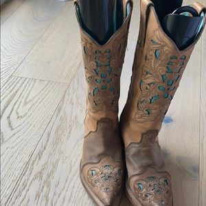 Tan and turquoise cowgirl boots